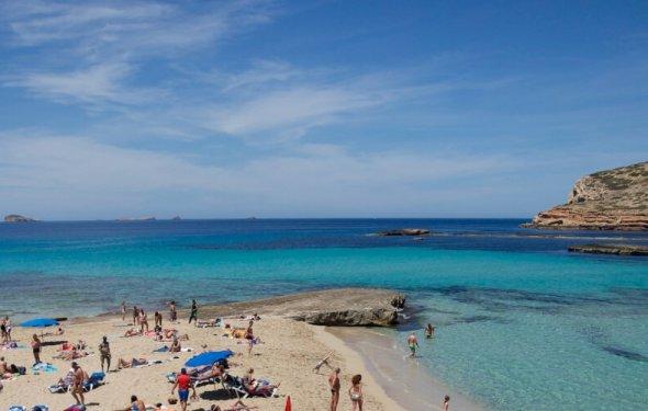 Ибица, Испания — отдых, пляжи