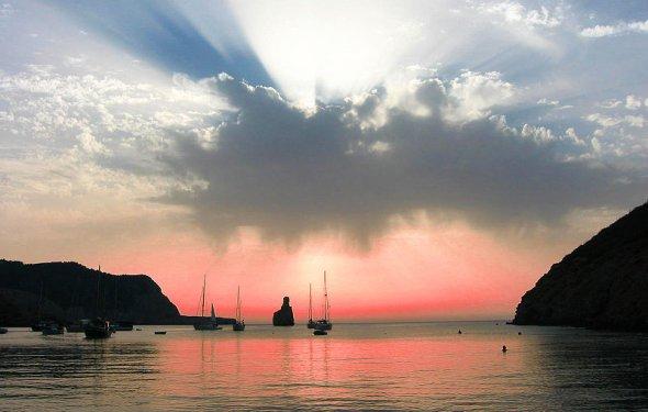 Закат на Ибице, Балеарские