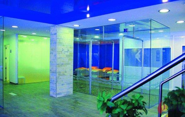 Отель Aquarium 4*